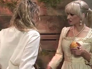 Blond lesbo distraction with Amber Peach, Frankie