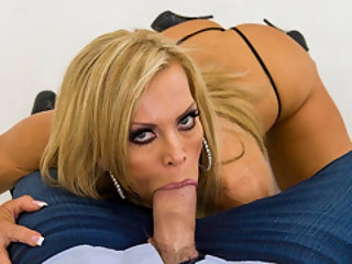 Control things Session With Hot MILF Amber Lynn
