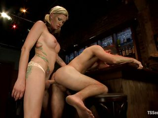 domineering blonde shemale drills a penny-pinching anus
