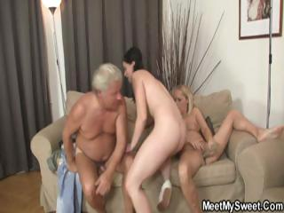 This couple's parents augment relating to on this sex orgy for a foursome