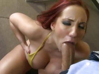 Roguish Kelly Paradisaic throat fucks a played faux pas