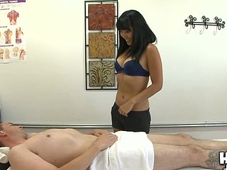 Sexy masseur is good at mixing palpate with indecent sex