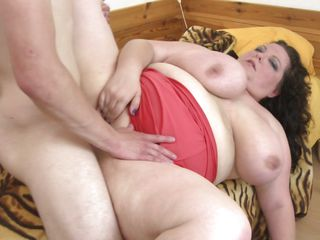 mature bbw with illustrious bowels and pussy