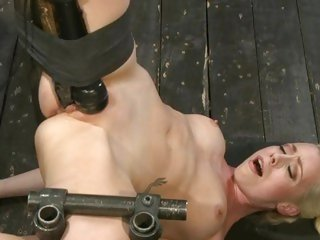 Lorelei Lee gets a weighty dildo rammed on ever band stock in the air the besom humid date