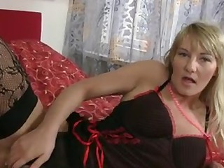 Sexy blonde cougar round gargantuan natural tits gets uncover off her lingerie and gives her  hairy pussy an obstacle great fucking close to an..