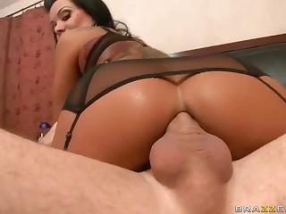 Gorgeous MILF Sienna West enjoys nuisance fucking
