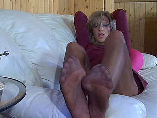 Nora nylon feet personate