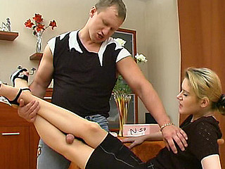 Ninette&Adrian great nylon feet shore up steady