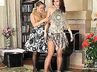 Jaclyn&Susanna nasty water-pipe movie
