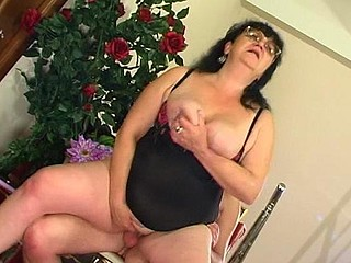 Victoria&Anthony eccentric mama on movie