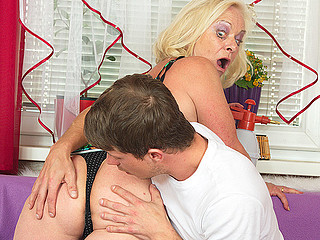 Filthy and ugly light-complexioned whore is riding a fat donger and blowing deep