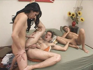 Hot threesome sexcapade relating to babe with the attachment of portable sow