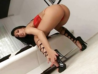 Mya Diamond Brobdingnagian hot footjob