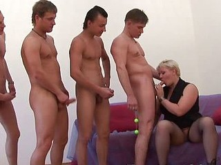 Fat grandma satisfied with a DP and moresomes action
