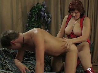 Viola&Monty kinky dong action